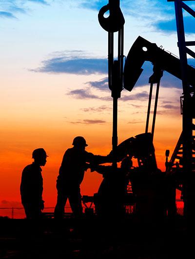 Soluciones de medición de caudal y densidad para petróleo y gas
